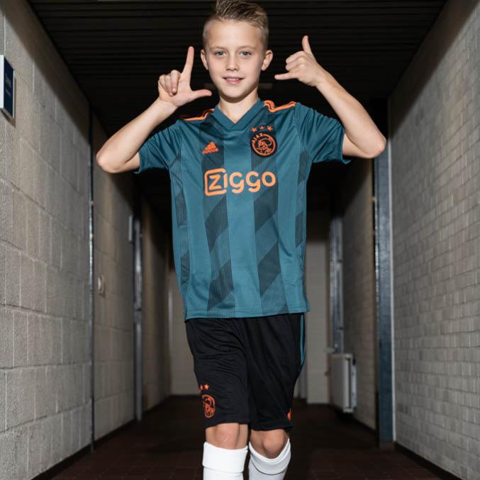 Ajax Away 2019-2020